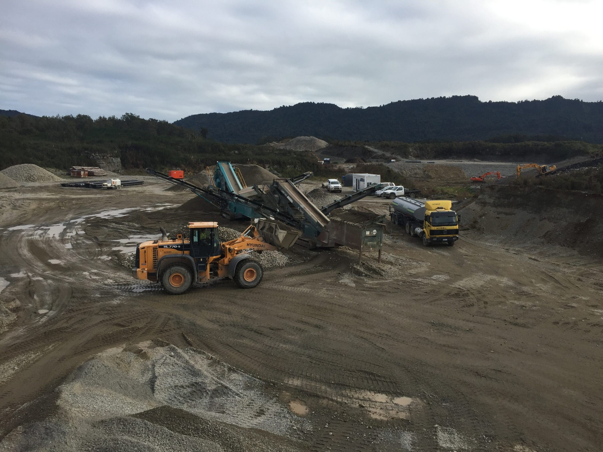 GrantHood_McLeans-Pit-Landfill-3a-12