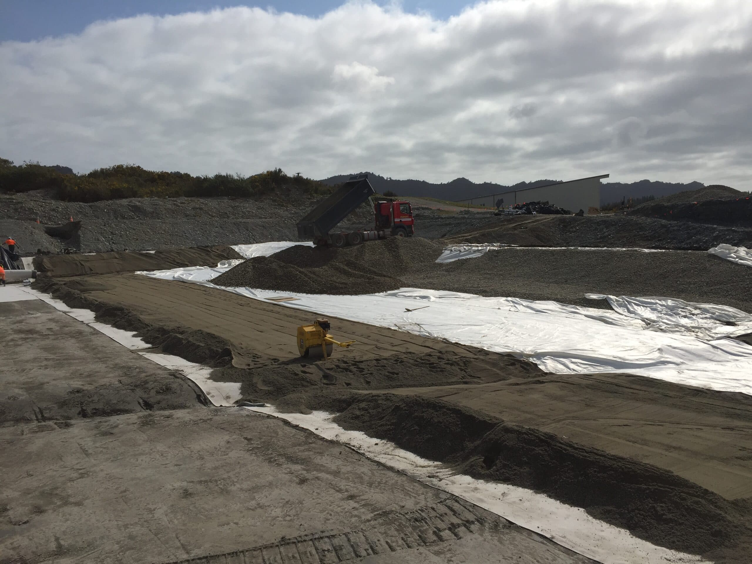 GrantHood_McLeans-Pit-Landfill-3a-6