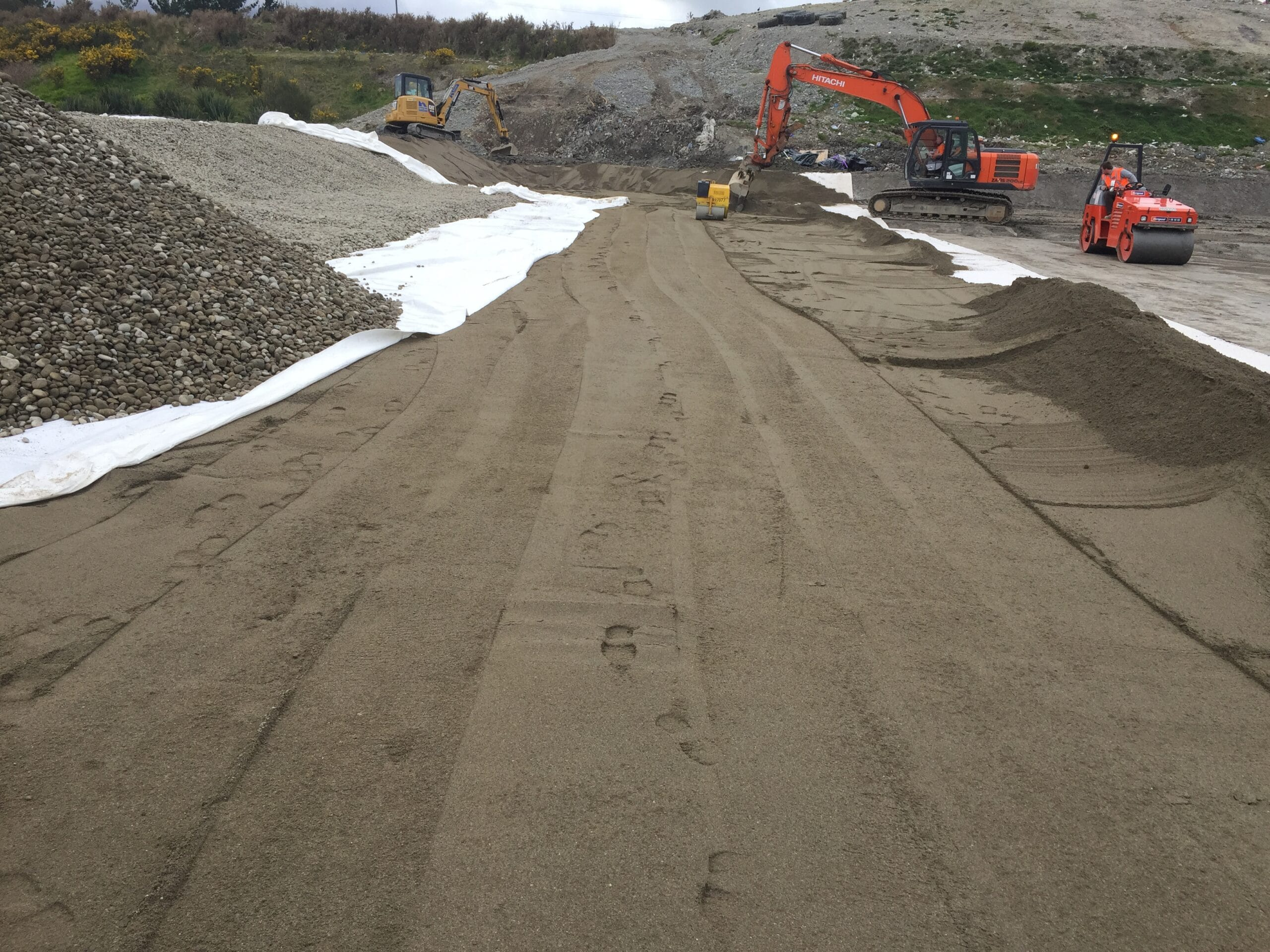 GrantHood_McLeans-Pit-Landfill-3a-8